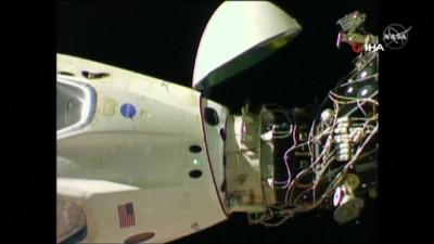 uzay istasyonu -  - Spacex Dragon Dünyaya Dönüyor