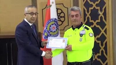 goz ameliyati - Kaza yapan babaya kendi aracını veren polise başarı belgesi- SAMSUN