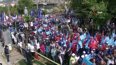 Türk-İş 1 Mayıs coşkusunu Kocaeli'de yaşıyor