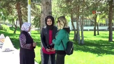 """platonik ask -  Erzurum'da """"platonik aşk dehşeti""""... Genç kızın bıçaklandığı anlar kamerada"""