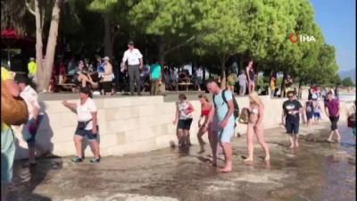 Pamukkale'ye bayramda turist akını