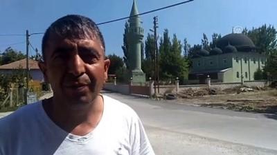 yeni cami - Cami ile minarenin ayrı yerde olması şaşırtıyor - AMASYA
