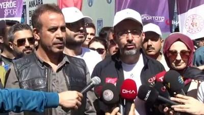 milli halterci - Bakan Kasapoğlu gençlerle beraber yürüdü