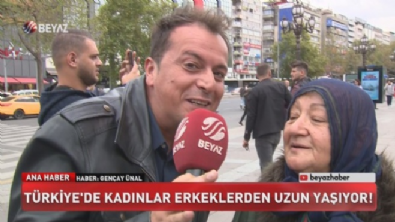 Türkiye'de kadınlar erkeklerden uzun yaşıyor!