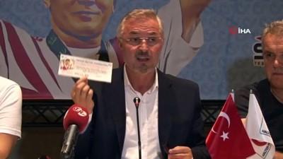 milli halterci - Naim Süleymanoğlu'nun kitap tanıtımı yapıldı