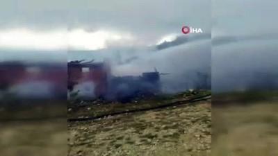 nano -  Sinop'ta alev alan araç evi yaktı