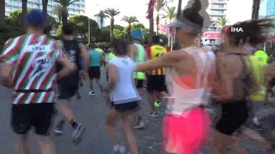 milli atletler - Uluslararası İzmir Yarı Maratonu renkli görüntülere sahne oldu