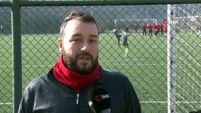 amator lig - Aynı takımda hem futbolcu hem yönetici hem de fotoğrafçı