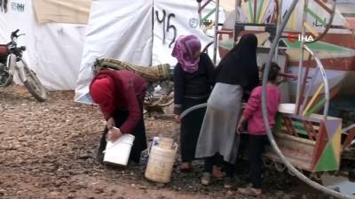 - Bombardımandan kurtulmak için dağın tepesine sığındılar - Güvenli bölgelere kaçan Suriyeli siviller dağlık araziye kamp kurdu
