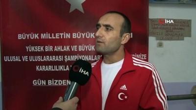 """milli halterci -  Antrenör Altınyurt: """"61 kilo sıkletinde yeni bir Naim Süleymanoğlu doğuyor'"""