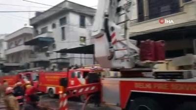 - Yeni Delhi'de kağıt fabrikasında yangın: 1 ölü