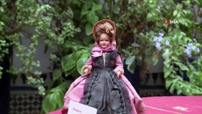 - Faslı gezgin, 91 ülkeden aldığı 2 bin 500 oyuncak bebeği müzede sergiliyor