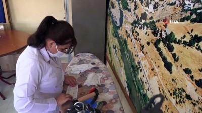Halk eğitim merkezleri Tunceli'de öğrenciler için maske üretimini yoğunlaştırdı