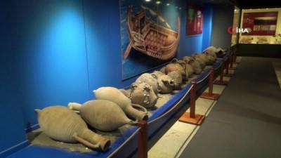 deprem riski -  Tarihi eserler depreme karşı müze mumuyla sabitleniyor