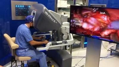 prostat kanseri -  Ameliyathanede robot var Videosu