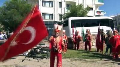 Ayvalık MHP'de Mehmet Sıray güven tazeledi