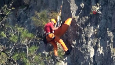 kayali -  Yüzlerce metre yüksekte mahsur kalan dağcı nefes kesen operasyonla kurtarıldı