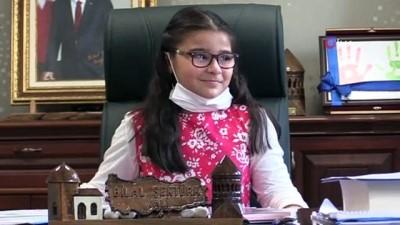 makam koltugu -  Vali Şentük, koltuğu kız çocuklarına devretti