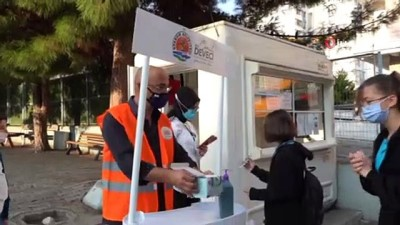 Yüz yüze eğitim için okullarına gelen öğrencileri Atakum Belediyesi karşıladı