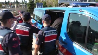 Samsun'da HTŞ terör örgütü şüphelisi 4 yabancı adliyeye sevk edildi