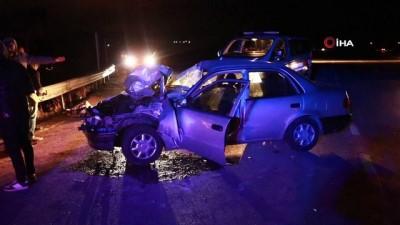 Otomobil pancar yüklü tırın altına girdi: 1 ağır yaralı