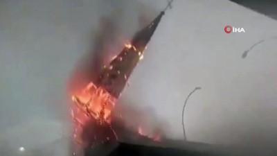- Şili'de protestoların yıl dönümünde sokaklar karıştı - Dükkanlar yağmalandı, kilise ateşe verildi