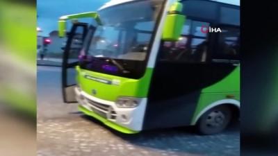 Isınmak için otobüsünün motor kısmına giren yavru kediyi itfaiye kurtardı