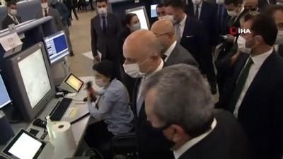 Ulaştırma Bakanı Karaismailoğlu, 'Dünya Hava Trafik Kontrolörleri Günü' kapsamında Hava Trafik Kontrol Merkezini ziyaret etti