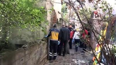 Bolu'da çatısını onardığı 5 katlı binadan düşen şahıs hayatını kaybetti