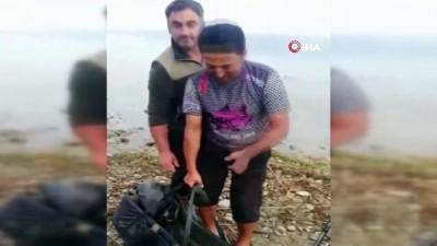 Sakaryalı amatör balıkçılar hem yakalıyor hep bırakıyor