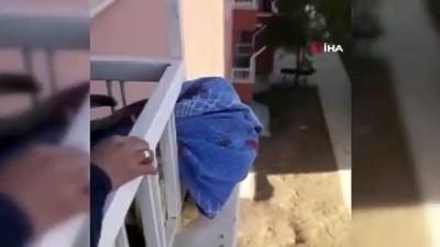 demir parmaklik -  Kafası balkon korkuluklarına sıkışan çocuğu itfaiye kurtardı