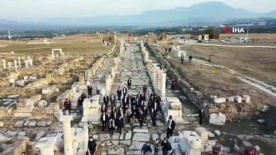"""Bakan Varank: """"Denizli'yi sanayi şehri olmanın yanında turizmin en önemli şehirlerinden biri haline getireceğiz"""""""