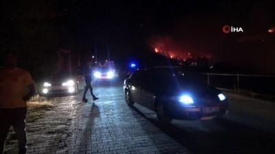 Yangının devam ettiği bölgede trafo bomba gibi patladı