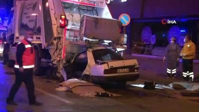 Ankara'da otomobil çöp kamyonuna çarptı: 1 ölü