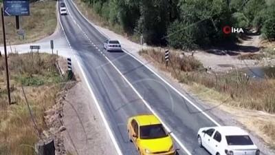 4 aracın birbirine girdiği düğün konvoyundaki kaza kamerada