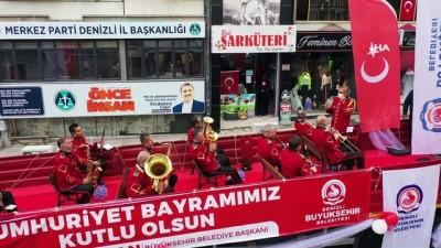 'Cumhuriyet Tırı'yla bayram coşkusu tüm kenti sardı