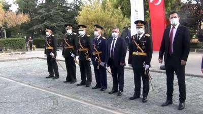 """Vali Çiçek: """"Cumhuriyet şanlı tarihimizin dönüm noktalarından birisidir"""""""