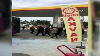 belediye otobusu -  Belediye otobüsü petrol istasyonuna daldı: 10 yaralı