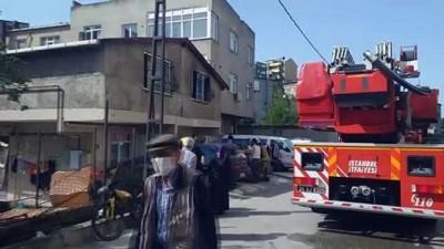 demir parmaklik - Ataşehir'de yanan evde mahsur kalan anne ve 2 çocuğunu vatandaşlar kurtardı - İSTANBUL