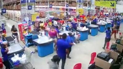 supermarket -  - Brezilya'da süpermarket rafları domino taşı gibi devrildi: 1 ölü, 8 yaralı
