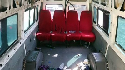 İçinde 72 sığınmacının bulunduğu minibüsün koltuklarının söküldüğü anlaşıldı - VAN