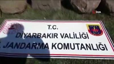 - Diyarbakır'da Asur dönemine ait üzeri kabartma yazılı taş ele geçirildi