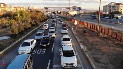 trafik yogunlugu -  43 ilin geçiş güzergahında trafik yoğunluğu