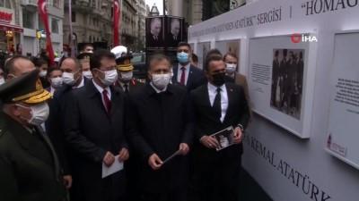 basbakan -  - İstiklal Caddesi'nde 'Atatürk'e Saygı / Dünyanın Gözünden Atatürk Sergisi'