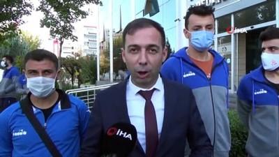 voleybol takimi - Asur Gençlik Spor Kulübü, Başkan Hüseyin Beyoğlu ile bir araya geldi