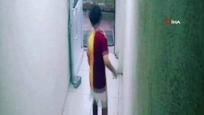 Kalp krizinden ölen 13 yaşındaki gencin fenalaştığı anlar kamerada