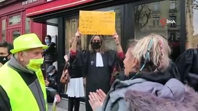 - Fransa'da gazetecilerden 'küresel güvenlik' yasası karşıtı protesto