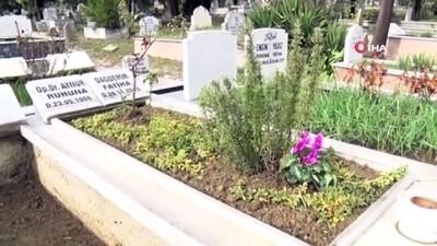 5 yıl önce öldürülen doktor Aynur Dağdemir mezarı başında anıldı