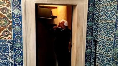 İSTANBUL - Rüstem Paşa Camisi cuma namazıyla ibadete açıldı