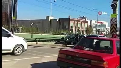 ilk mudahale -  Bursa'da 10 dakikada iki feci kaza
